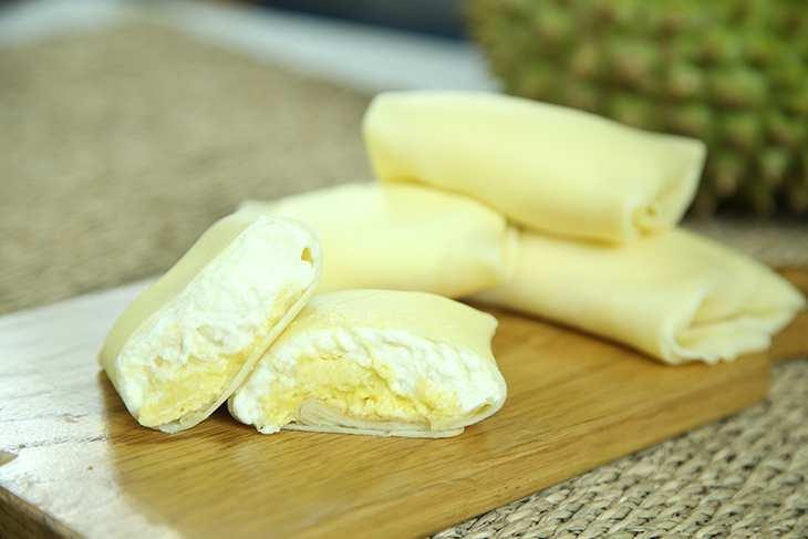 Tạo hình bánh crepe sầu riêng